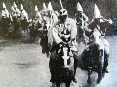 """The Birth of a Nation"" John Ford, extreme right, left hand on hood."