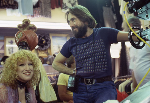 Bette Midler and director of photography Vilmos Zsigmond, ASC, on set for The Rose. (Credit: The Criterion Collection)