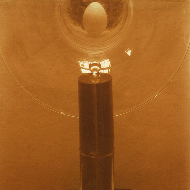 Triumph of the Egg/Edward Steichen