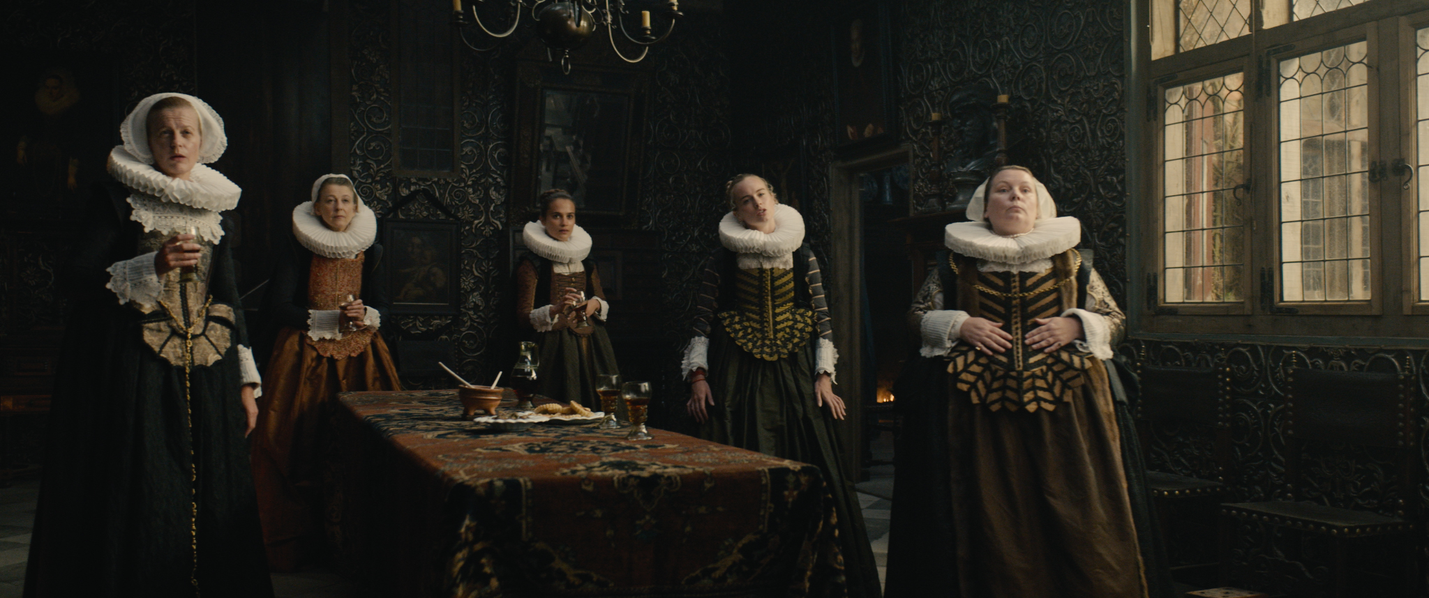 For Tulip Fever, cinematographer Eigil Bryld sought to emulate the lighting evidenced in the paintings of the Dutch Golden Age.