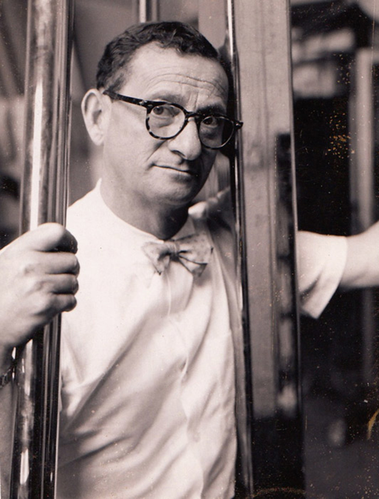 1955 self-portrait by Blumenfeld.