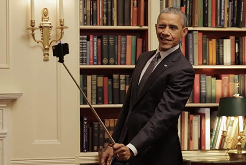 8.Obama-Selfie-Stick