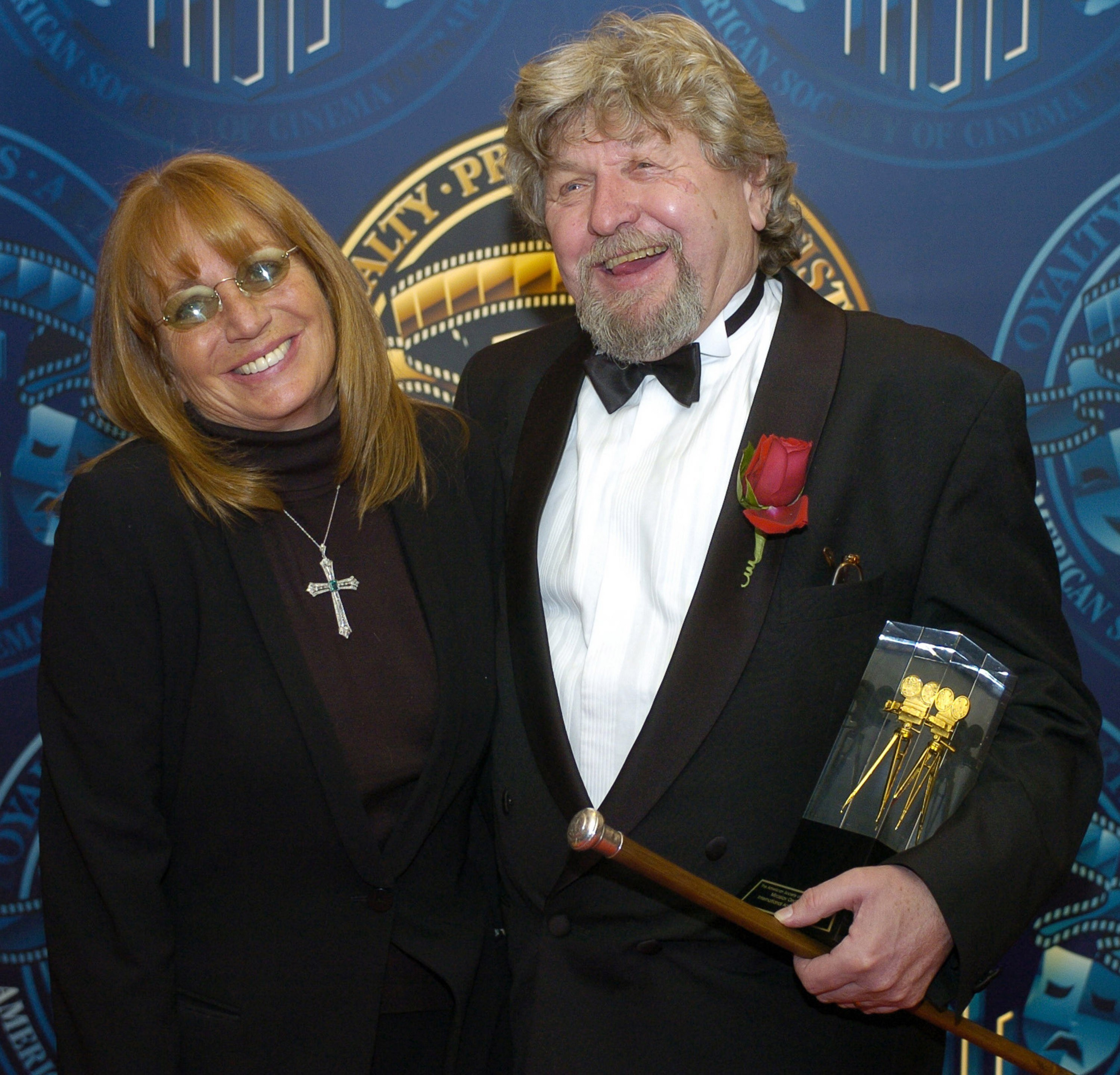 Director Penny Marshall with Ondricek at the ASC Awards in 2004. (Credit: ASC Archives)