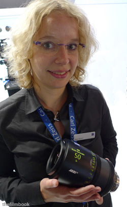 Anna Rausch from Zeiss with 50mm -photo Benjamin B -thefilmbook-