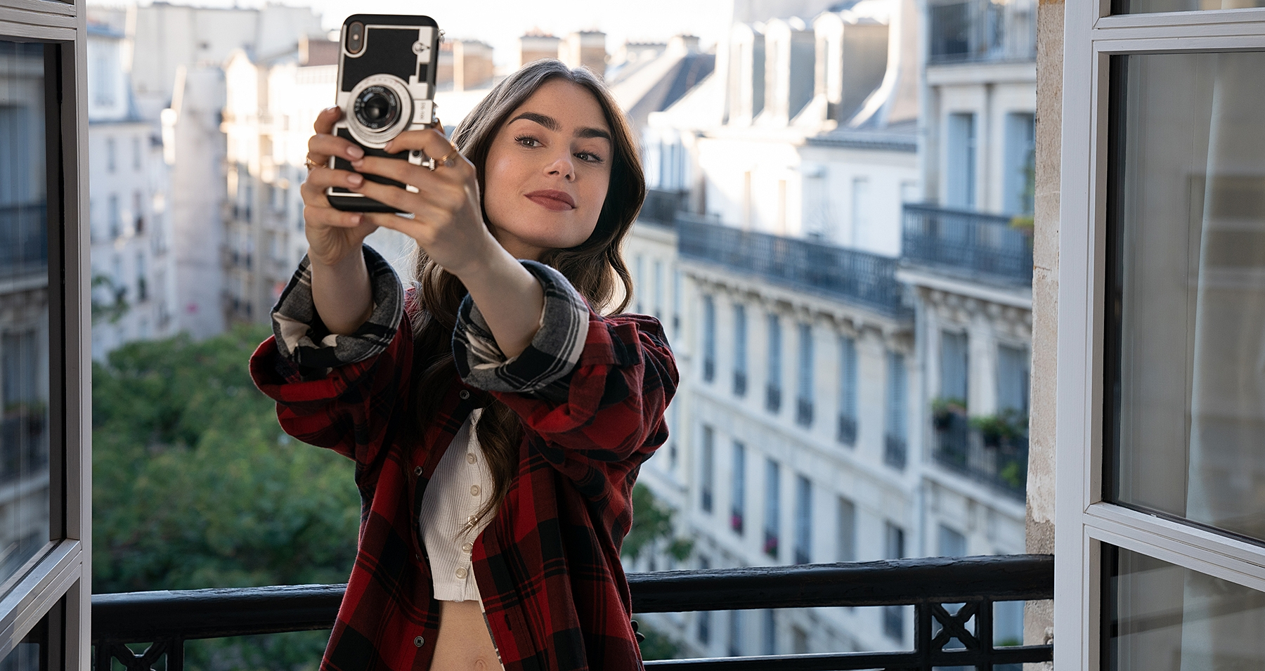 Emily-in-Paris-Featured.jpg?mtime=20210603163631#asset:101621