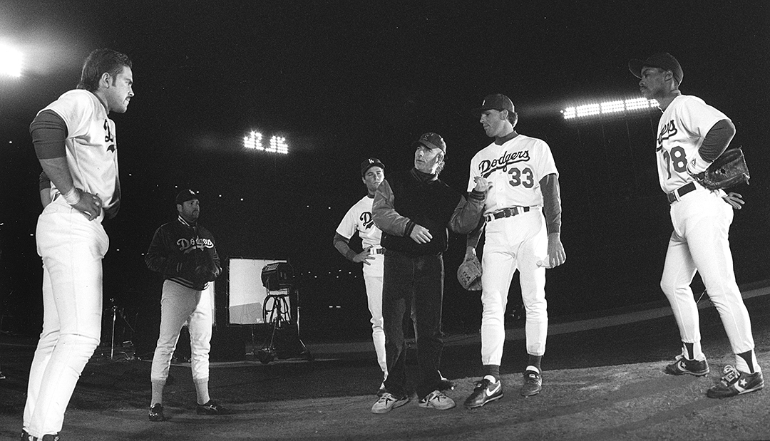 Goodich takes the field with with catcher Mike Piazza and Dodgers team members.
