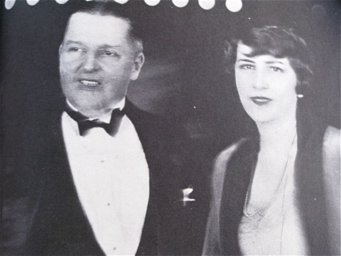 "Bitzer and Ethel at premiere of ""Lady of the Pavements,"" 1929."