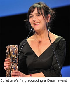 Juliette Welfling accepting her Cesar-