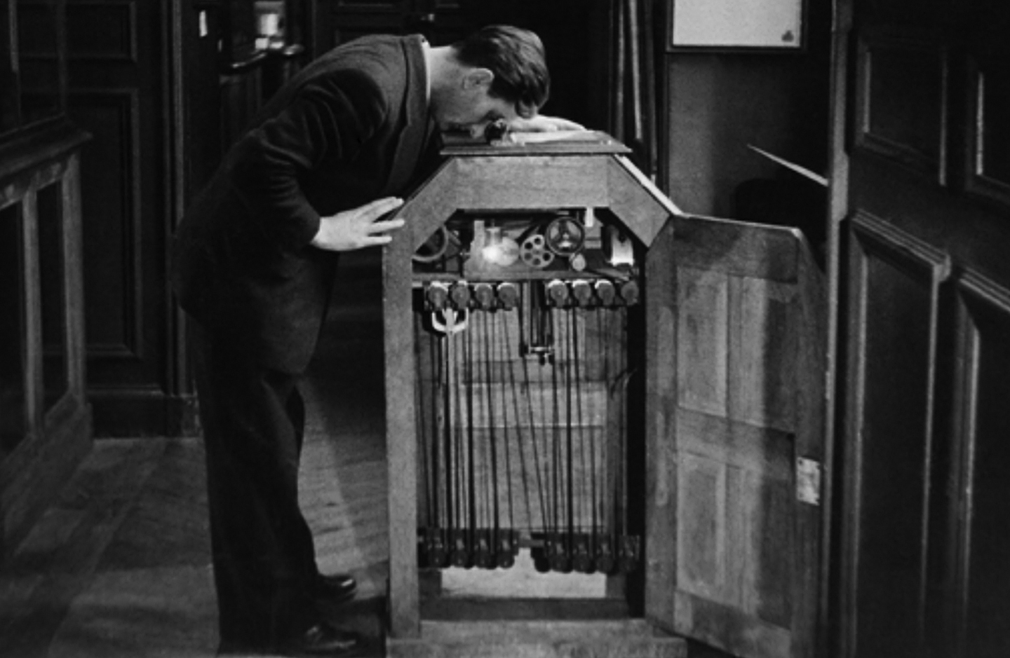 ASC Museum: Kinetoscope - The American Society of