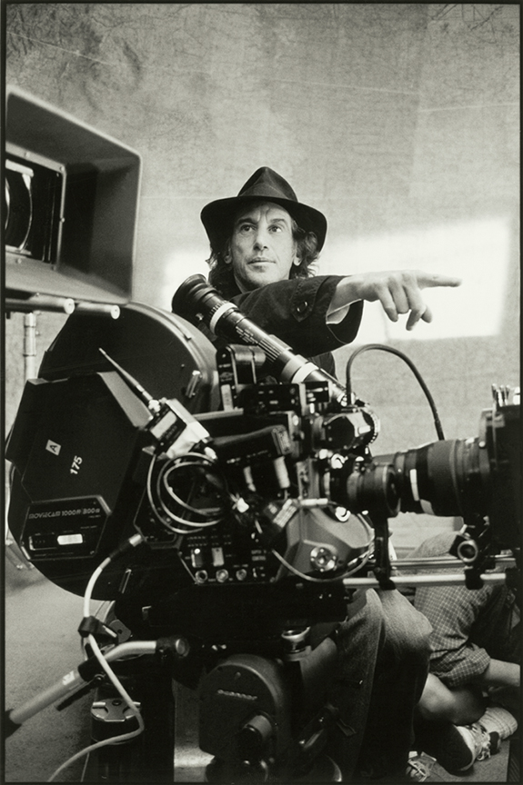 Ed Lachman, ASC on the set of Erin Brockovich (2000).