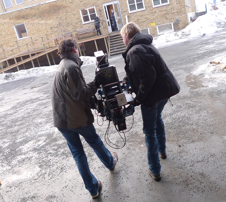 Moving-the-Quasar-rig-across-treacherous-icy-paths -thefilmbook