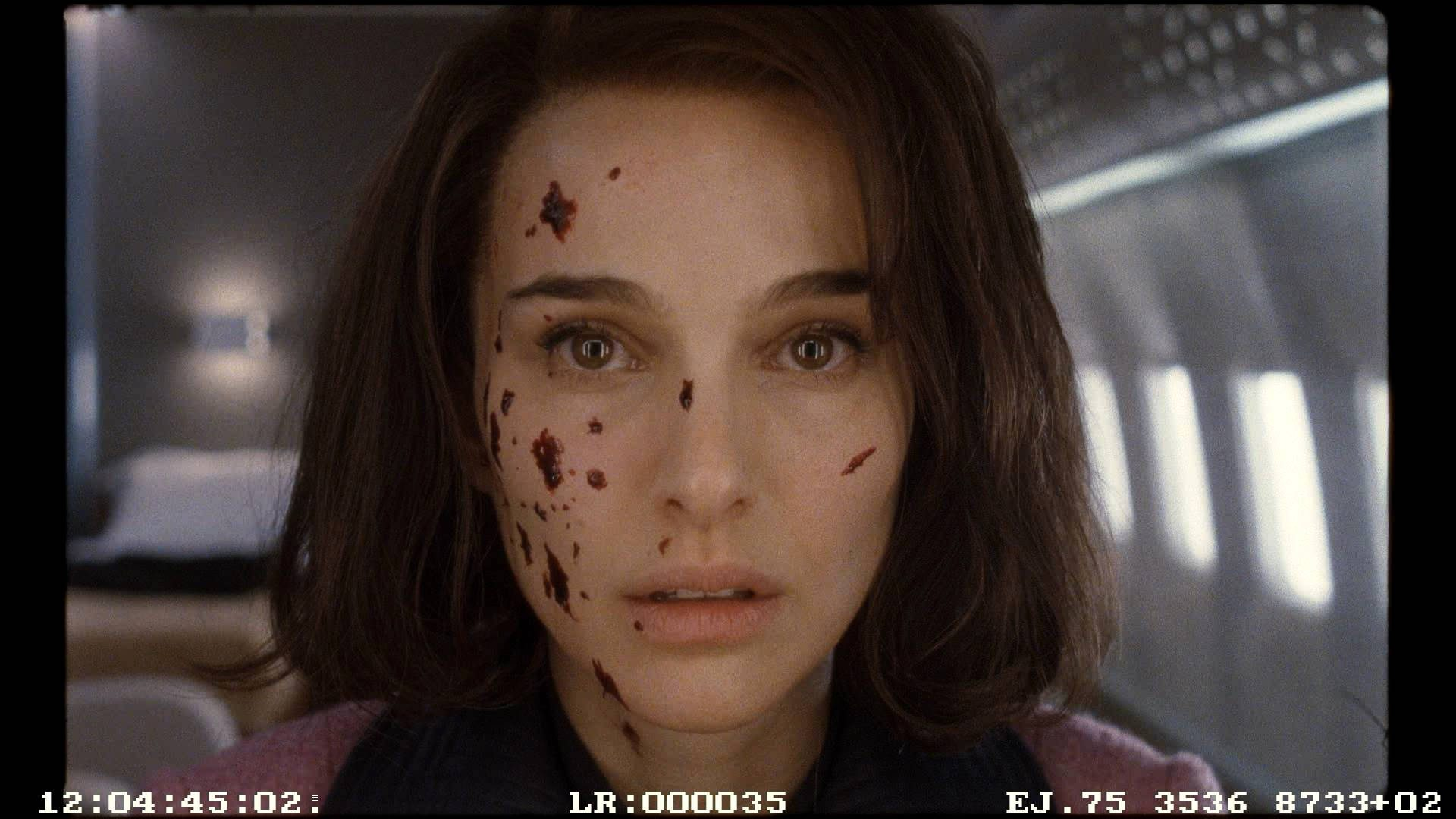 Close-up on Natalie Portman in Air Force One set
