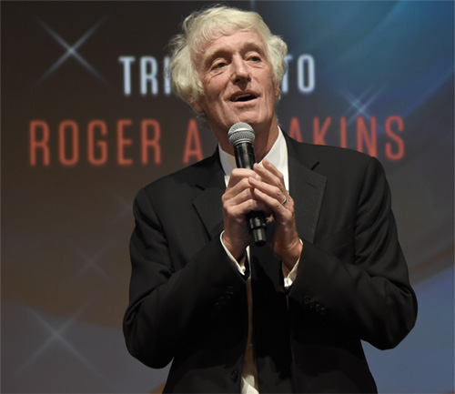 Roger Deakins accepts Angenieux ExcelLens award -photo Pauline Maillet-