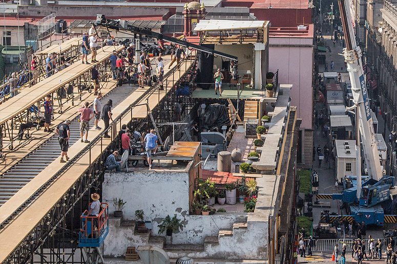 Rooftop Technocrane dolly on Spectre set in Mexico City