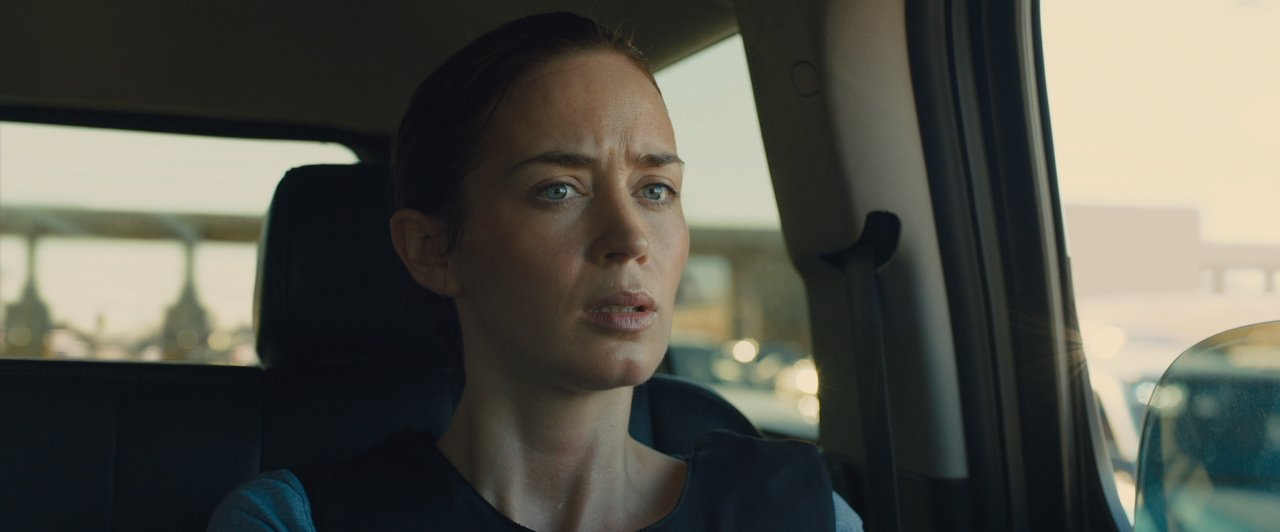 Sicario trailer Kate in car