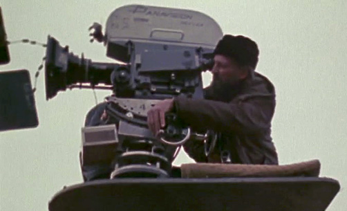 Vilmos Zsigmond on the set of McCabe and Mrs Miller -thefilmbook-