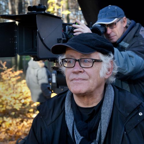 Director Jos Stelling (left) and cinematographer Goert Giltay, NSC, line up a shot