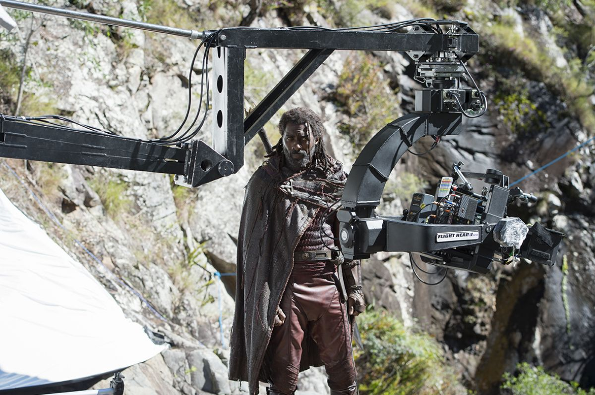 The crew readies a scene with Heimdall (Idris Elba).