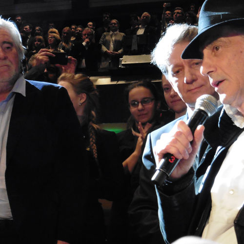 Ed Lachman, ASC, accepts the 2015 Golden Frog as John de Borman and Marek Żydowicz look on - Photo Jean-Noël Ferragut