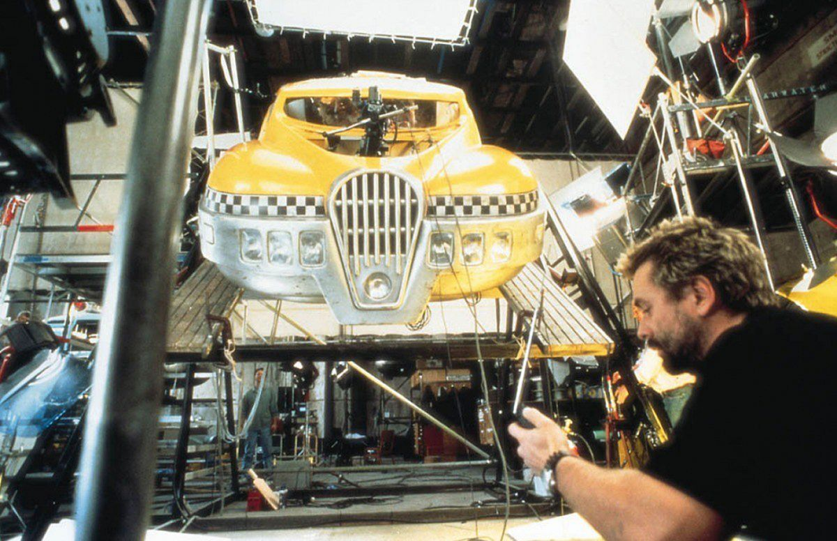 Besson oversees shooting the full-scale cab.