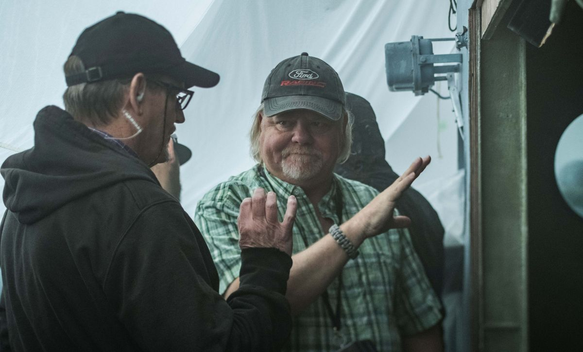 Cinematographer Shelly Johnson, ASC (right) works with A-camera operator and longtime collaborator Don Devine.