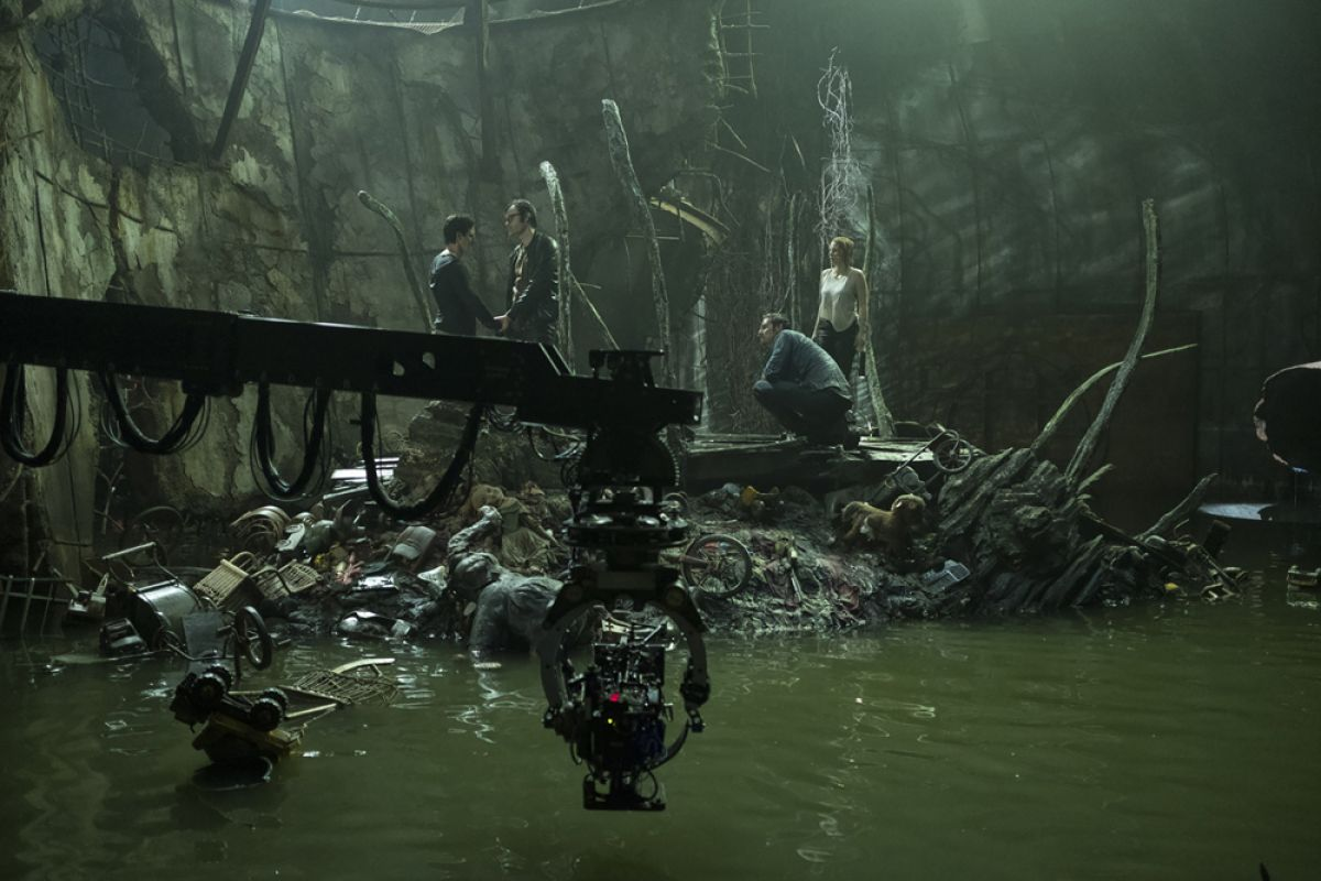 Mounted on a remote head, the camera angles in for a scene in Pennywise's cavern lair.