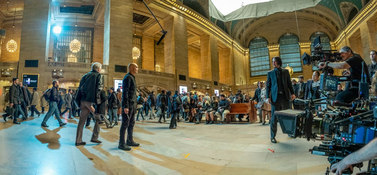 On location in the Main Concourse, multiple cameras roll on a scene between Reeves and Mark Dacascos (portraying rival assassin Zero).