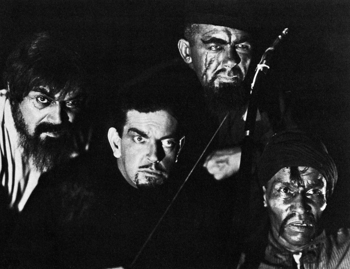 A murderous crew (from left): actors Noble Johnson, Leslie Banks, Dutch Hendrian and Steve Clemente — the hunters.