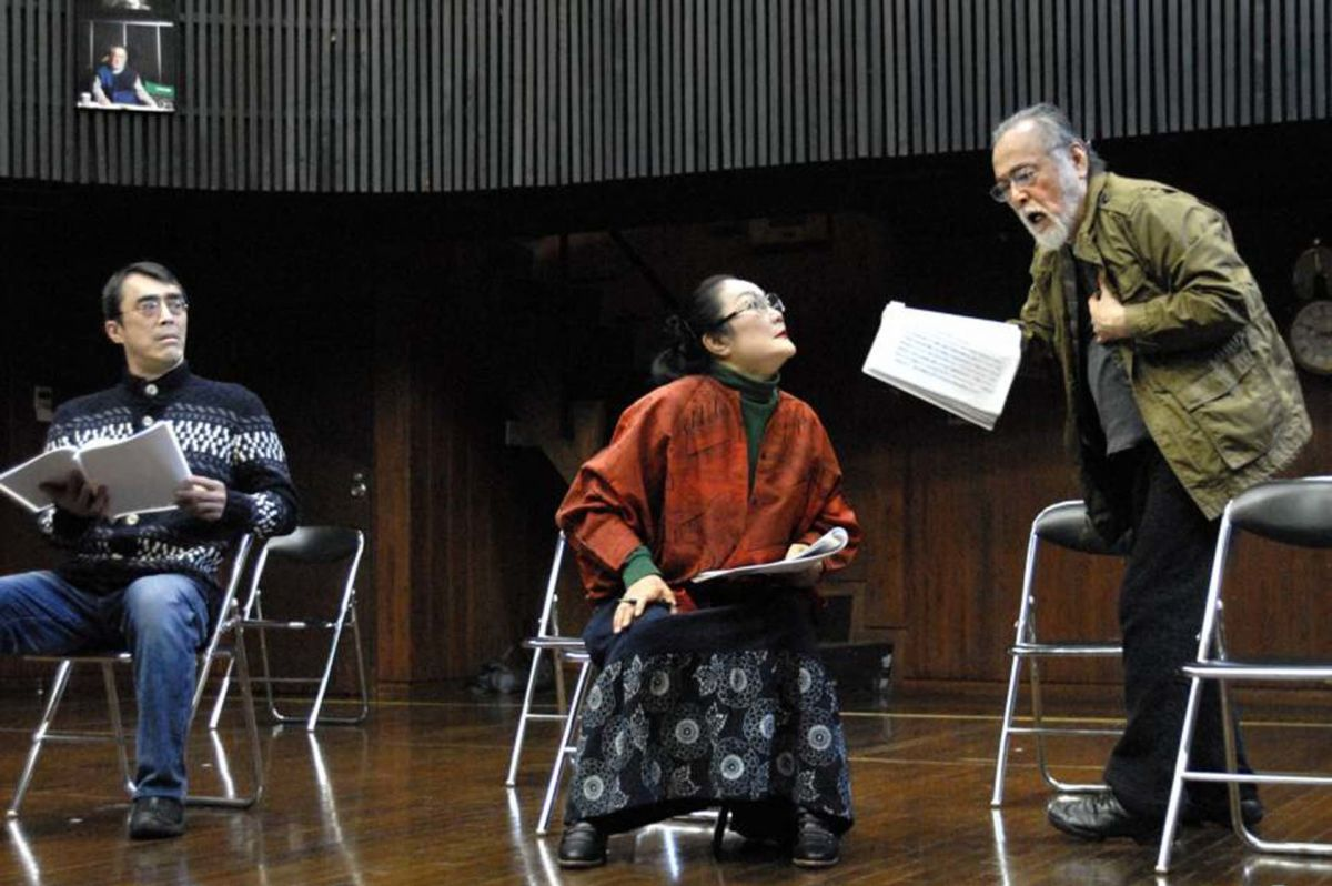 Nakadai (right) at work in the theater.