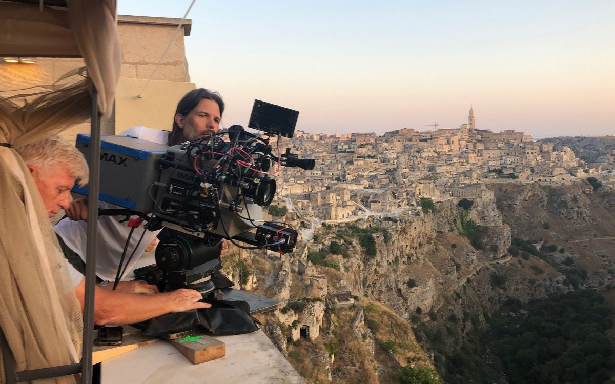 Sandgren (right) and key grip David Appleby line up an Imax 65mm shot in Matera, Italy.