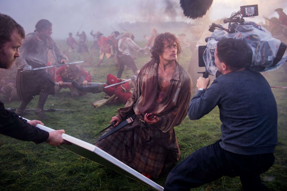 "Handheld cameras and Steadicams were employed for the final encounter between Jamie Fraser (Sam Heughan) and Captain Jonathan ""Black Jack"" Randall (Tobias Menzies)"