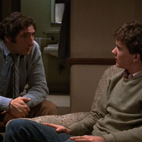 Conrad Jarrett (Timothy Hutton, right) meets with psychiatrist Dr. Berger (Judd Hirsch).