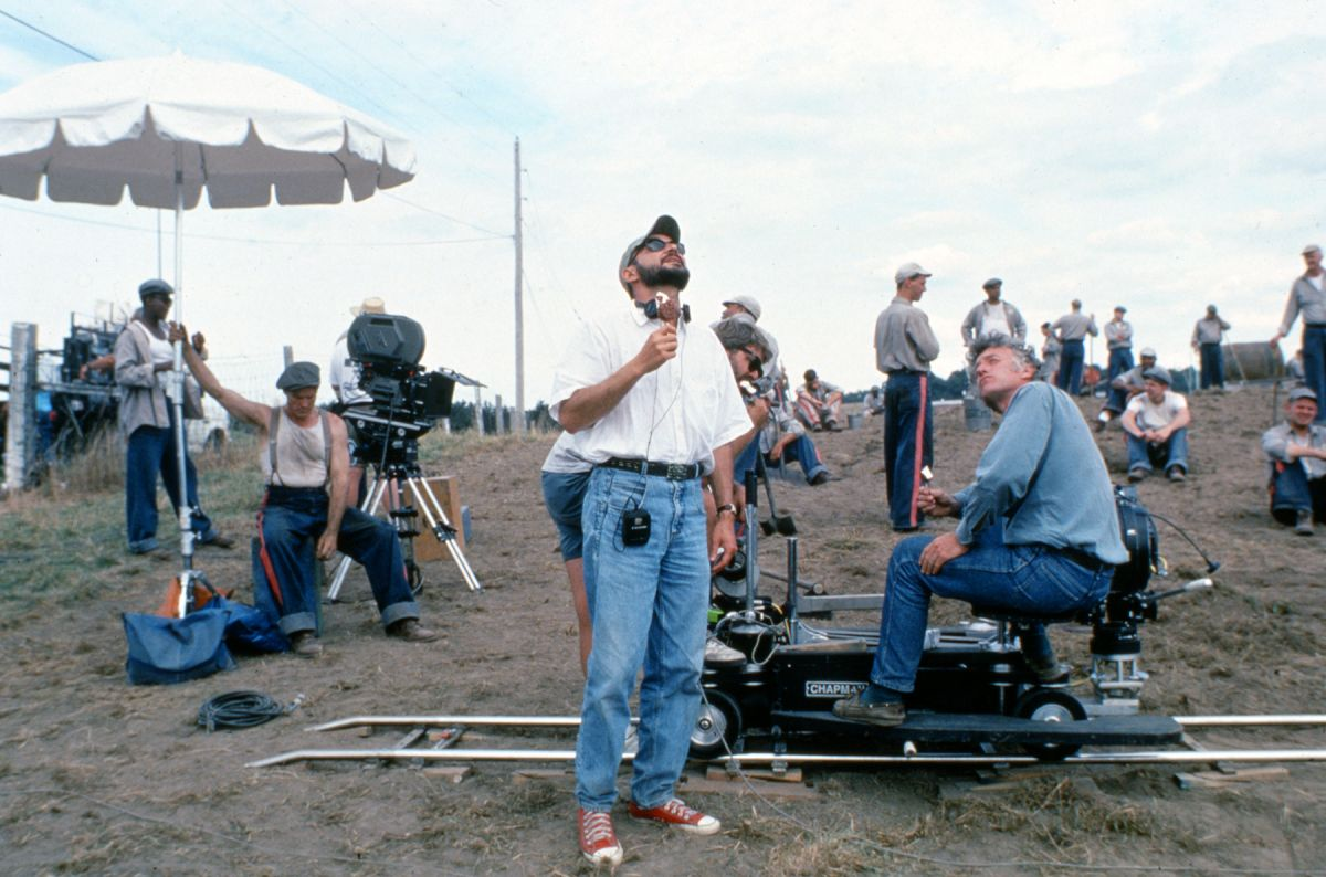 Taking a brief ice cream break, Deakins and Darabont consider their daylight.