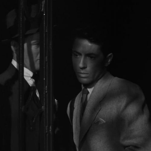 Strangers on a Train - into darkness -thefilmbook -14