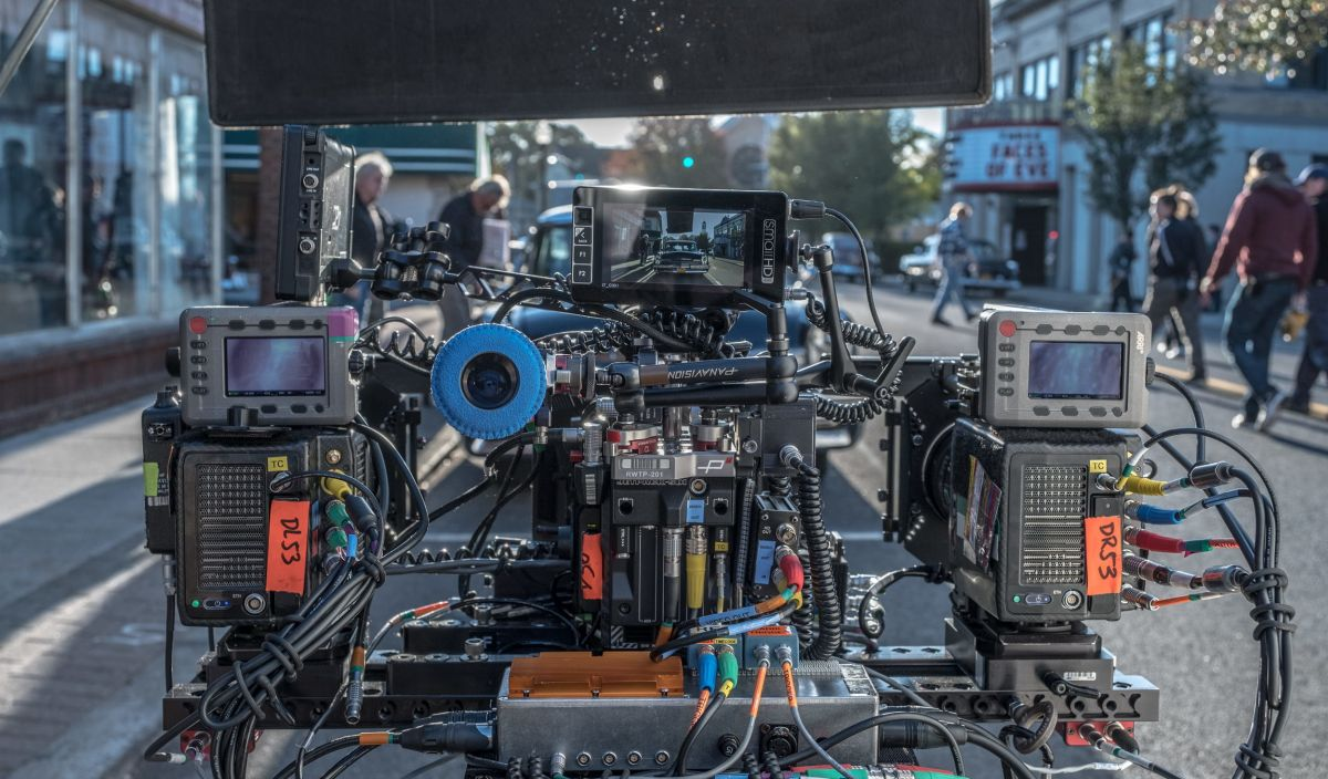 "For sequences in which actors would be de-aged in post, the filmmakers employed a three-camera digital rig — aka the ""three-headed monster"" — to capture the imagery as well as infrared and depth information."