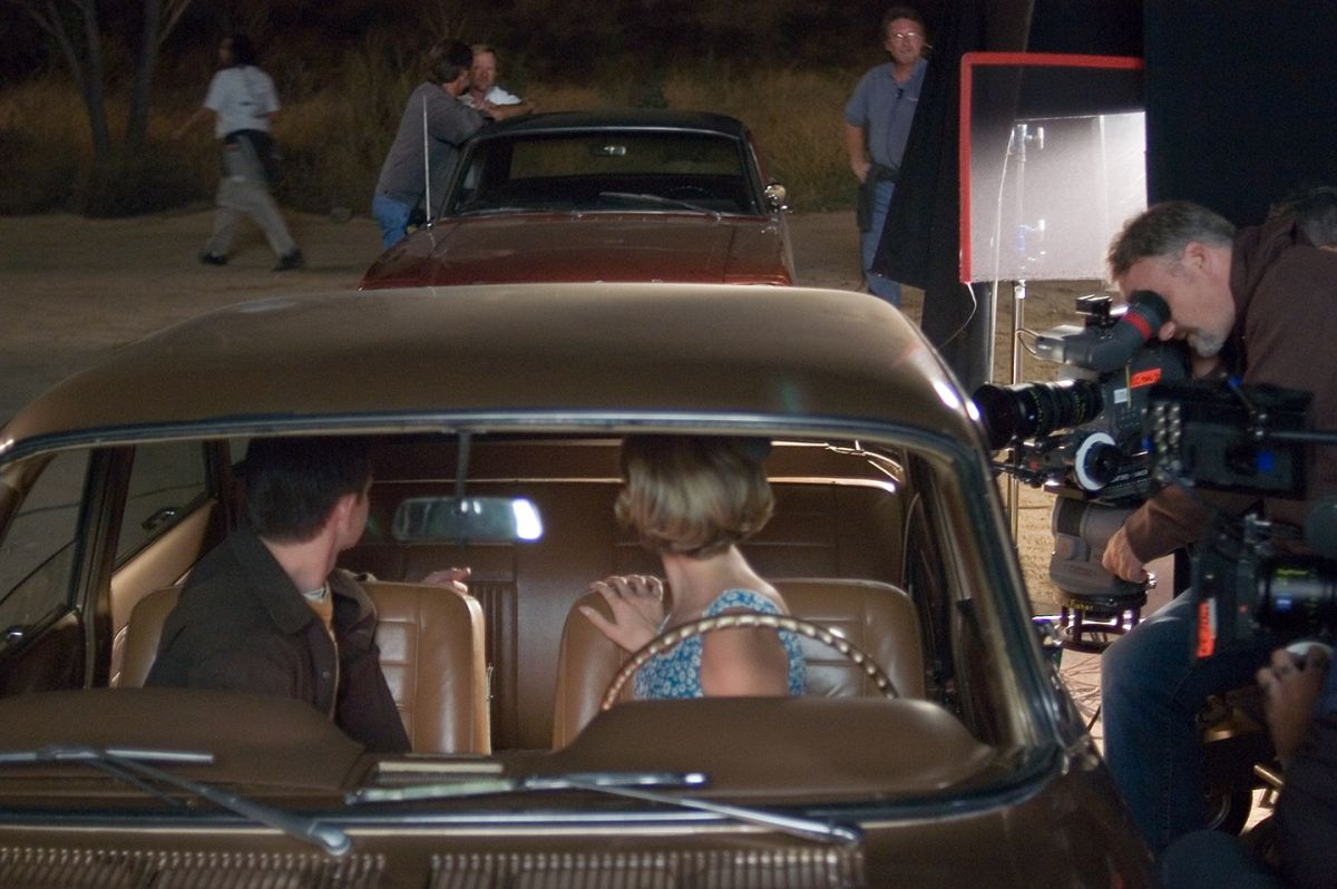Fincher takes a turn at the Viper's eyepiece while shooting the unsettling scene with actors Ciara Moriarty and Lee Norris.