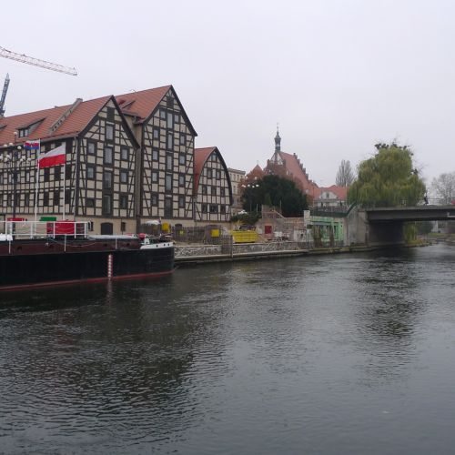 Bydgoszcz - Brda river with Opera Nova in distance