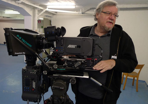 thefilmbook-Geoff-Boyle-with-PS-Technik-Freestyle-Rig-and-2-Alexas-photo-benjamin-b